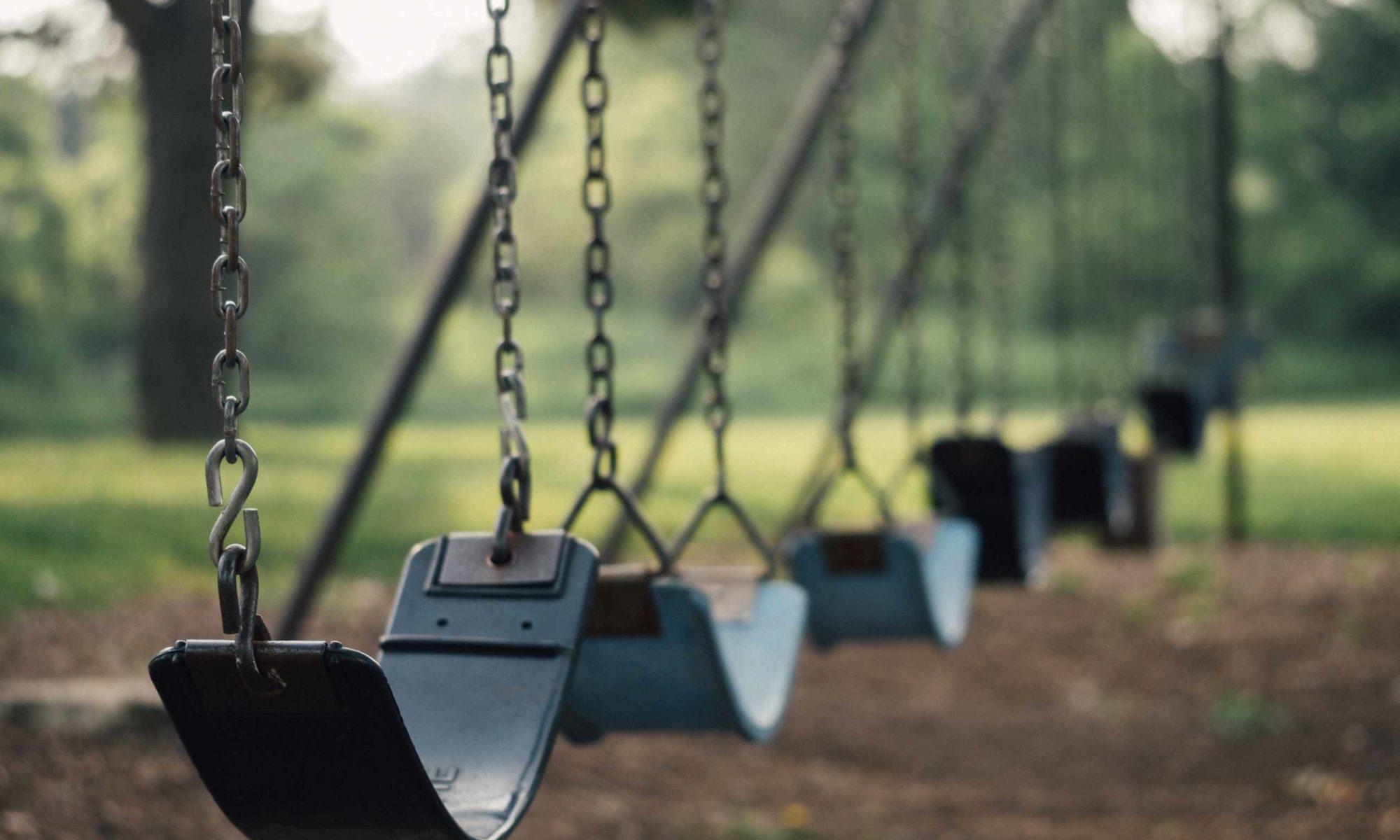 #HauptstadtPapa - Kinder und das Corona-Virus. Gespeerte Parks und Spielplätze. (Bild: Pixabay/Free-Photos)